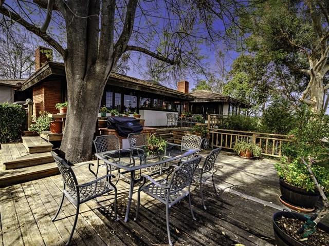 5045 Olive Hill Rd, Fallbrook, CA 92028 (#190009431) :: Blake Cory Home Selling Team