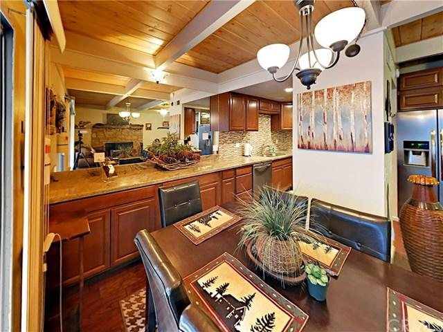 207 Coolcreek Lane, Lake Arrowhead, CA 92352 (#OC19038113) :: RE/MAX Innovations -The Wilson Group