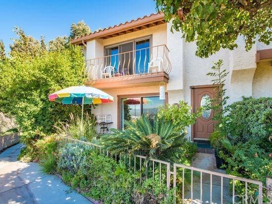 1751 Camino De Villas, Burbank, CA 91501 (#OC19038876) :: The Brad Korb Real Estate Group