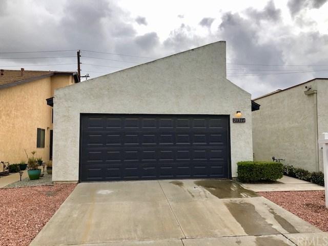 29364 Murrieta Road, Menifee, CA 92586 (#SW19037690) :: Kim Meeker Realty Group
