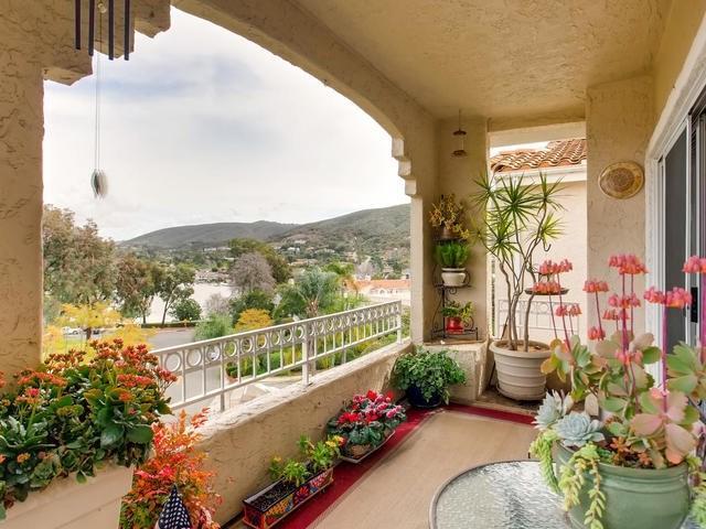 1642 Via  Caminar, San Marcos, CA 92078 (#190009737) :: McLain Properties