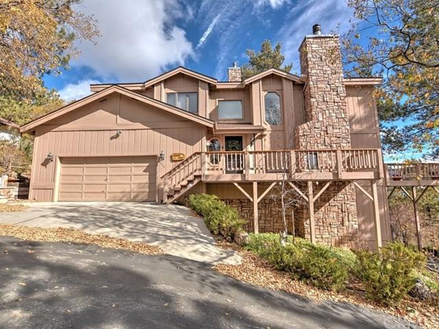 945 Deer Trail, Fawnskin, CA 92333 (#EV19023550) :: Fred Sed Group
