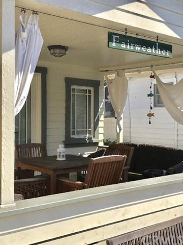 234 Clarissa Avenue, Avalon, CA 90704 (#SB19048226) :: The Laffins Real Estate Team