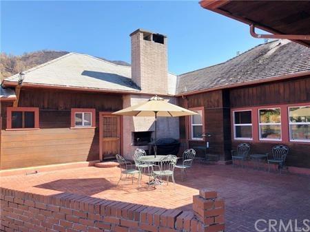 11727 Elk Mountain Road, Upper Lake, CA 95485 (#LC19057093) :: Go Gabby