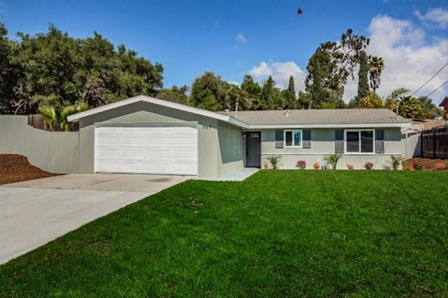 747 Maryland Ct, Vista, CA 92083 (#190013778) :: Jacobo Realty Group