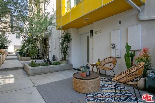 2200 Fox Lane, Los Angeles (City), CA 90026 (#19443022) :: The Laffins Real Estate Team