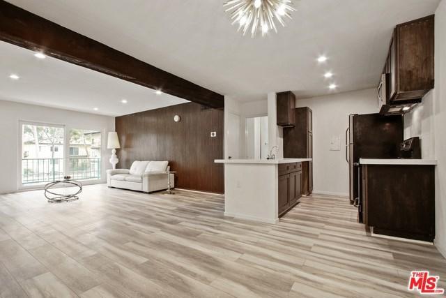 5460 White Oak Avenue E217, Encino, CA 91316 (#19441658) :: RE/MAX Empire Properties