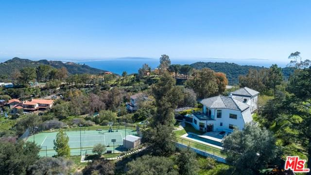 21051 Saddle Peak Road, Topanga, CA 90290 (#19444744) :: Millman Team
