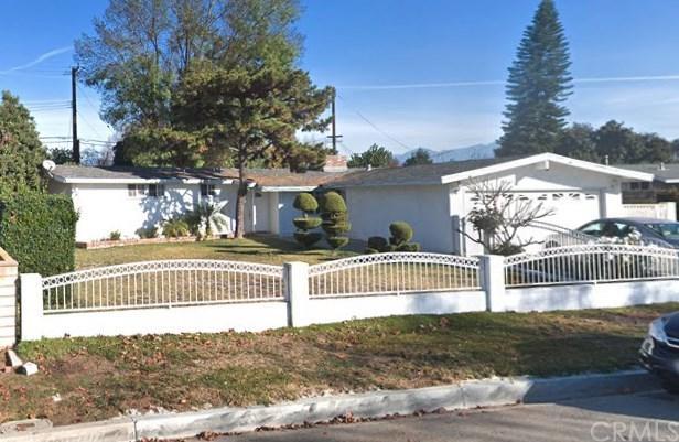 1029 W Delhaven Avenue, West Covina, CA 91790 (#WS19058974) :: Go Gabby