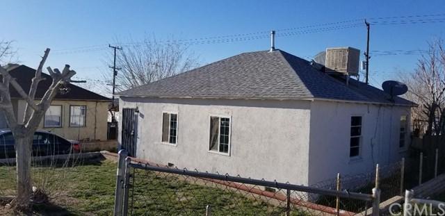 921 W Buena Vista Street, Barstow, CA 92311 (#DW19059275) :: J1 Realty Group