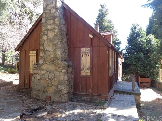 1177 Bear Springs Road, Rimforest, CA 92378 (#EV19059617) :: Millman Team