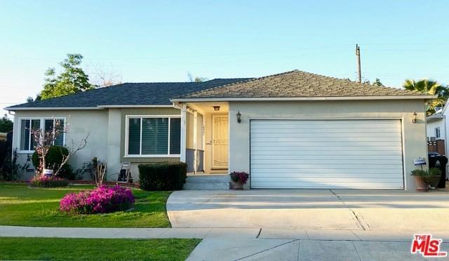 16937 Bassett Street, Lake Balboa, CA 91406 (#19445040) :: J1 Realty Group