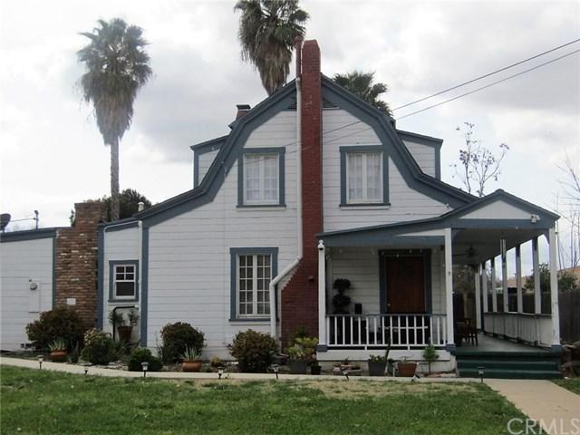 3746 Farnham Place, Riverside, CA 92503 (#PW19060217) :: The DeBonis Team