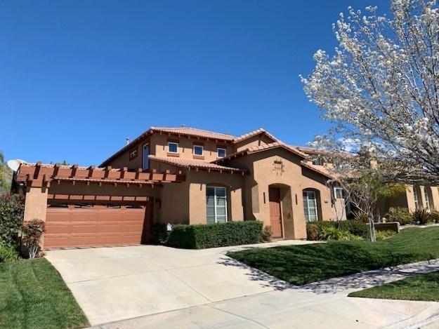 34102 Pinehurst Drive, Yucaipa, CA 92399 (#EV19059010) :: Vogler Feigen Realty