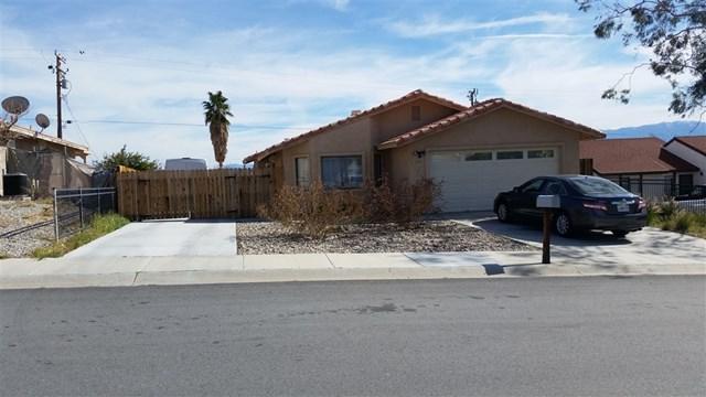 68205 Calle Azteca, Desert Hot Springs, CA 92240 (#190014654) :: Jacobo Realty Group