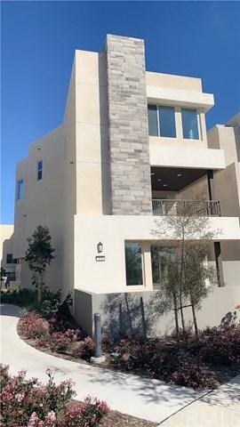 111 Bosque, Irvine, CA 92618 (#WS19060793) :: The Laffins Real Estate Team