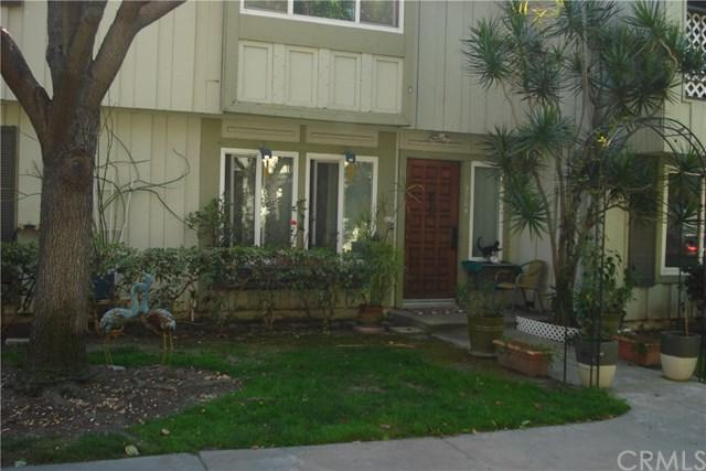 9704 Karmont Avenue, South Gate, CA 90280 (#RS19061109) :: Jacobo Realty Group