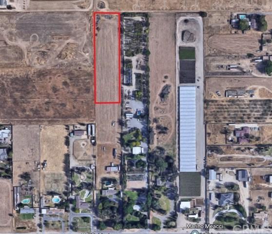6712 W Shields Avenue, Fresno, CA 93723 (#FR19061415) :: Jacobo Realty Group