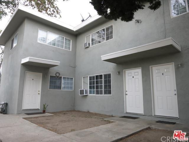 277 W Jackson Street, Rialto, CA 92376 (#SR19061792) :: Go Gabby