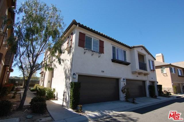 19508 Laroda Lane #214, Saugus, CA 91350 (#19445478) :: Kim Meeker Realty Group