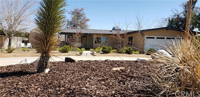 14763 Quinnault Road, Apple Valley, CA 92307 (#EV19059971) :: J1 Realty Group