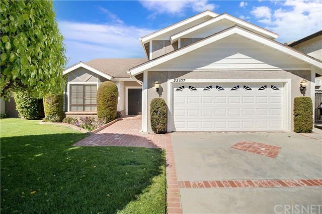 22107 Heidemarie Street, Chatsworth, CA 91311 (#SR19062285) :: Millman Team