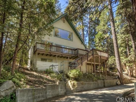 185 Rocky Point Way, Lake Arrowhead, CA 92352 (#SW19063349) :: Millman Team