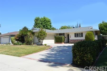 22523 Burton Street, West Hills, CA 91304 (#SR19062103) :: The Laffins Real Estate Team