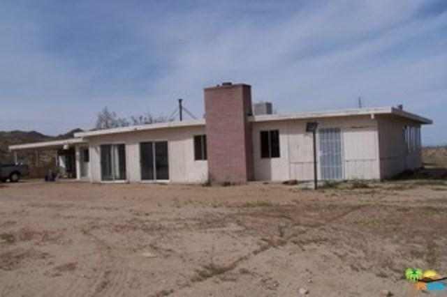 388 Old Woman Springs Road, Yucca Valley, CA 92284 (#19437536PS) :: Mainstreet Realtors®