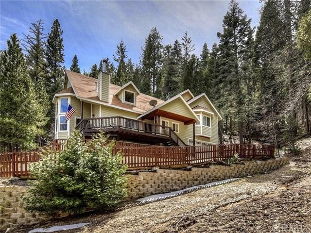 26648 Thunderbird Drive, Lake Arrowhead, CA 92352 (#EV19064228) :: Millman Team
