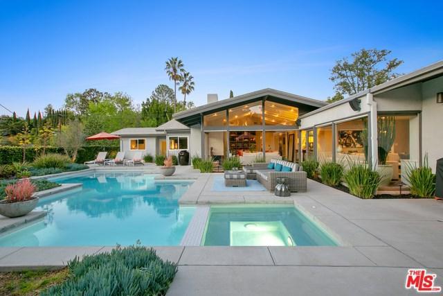 8478 Allenwood Road, Los Angeles (City), CA 90046 (#19446678) :: Mainstreet Realtors®