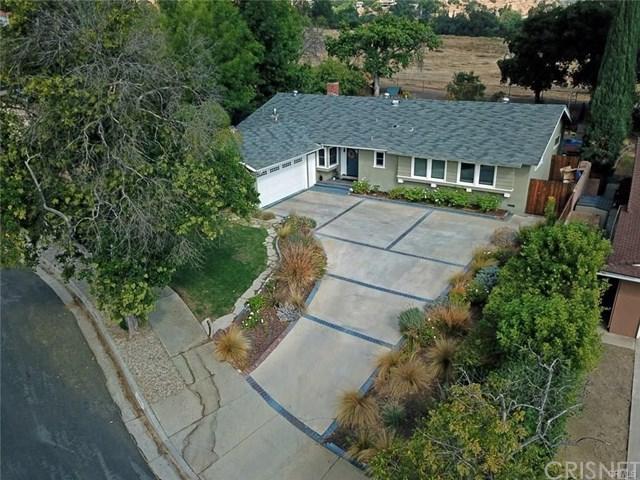 23753 Community Street, West Hills, CA 91304 (#SR19060278) :: The Laffins Real Estate Team
