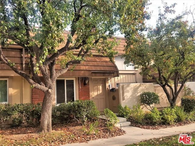 10218 Larwin Avenue #3, Chatsworth, CA 91311 (#19446046) :: Millman Team