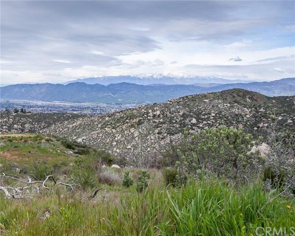 42815 Avery Canyon Road, Hemet, CA 92544 (#SW19065061) :: Mainstreet Realtors®