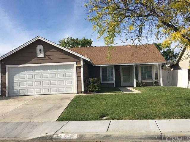 2464 Carnation Avenue, Hemet, CA 92545 (#SW19065529) :: Mainstreet Realtors®