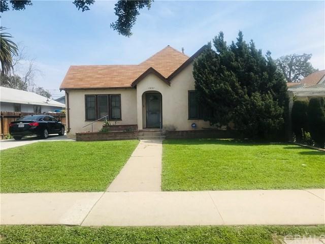 1451 Cypress Avenue, Santa Ana, CA 92707 (#OC19065918) :: Mainstreet Realtors®