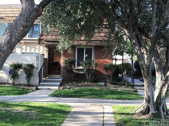 10442 Larwin Avenue, Chatsworth, CA 91311 (#SR19066503) :: Millman Team