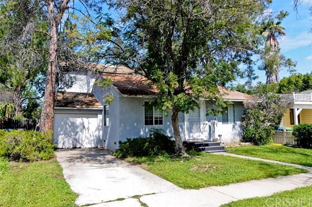 17459 Hatteras Street, Encino, CA 91316 (#SR19066695) :: Go Gabby