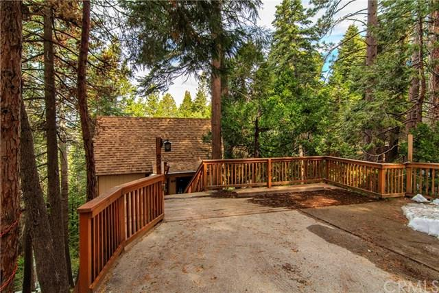 634 Buckingham Square, Lake Arrowhead, CA 92352 (#SB19063468) :: Millman Team