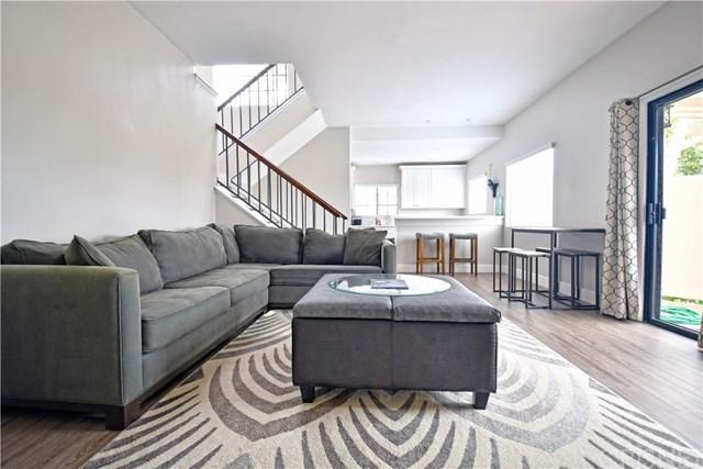 129 Courtyard Drive, Port Hueneme, CA 93041 (#SR19069177) :: RE/MAX Parkside Real Estate