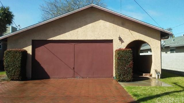 211 W Walnut Avenue, El Segundo, CA 90245 (#SR19071328) :: Millman Team