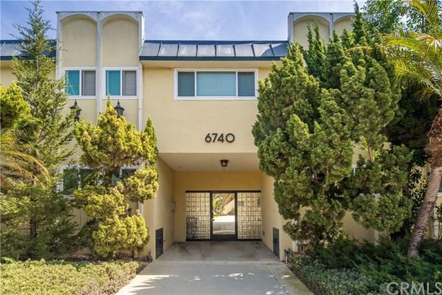 6740 Springpark Avenue #211, Ladera Heights, CA 90056 (#SB19074158) :: Go Gabby