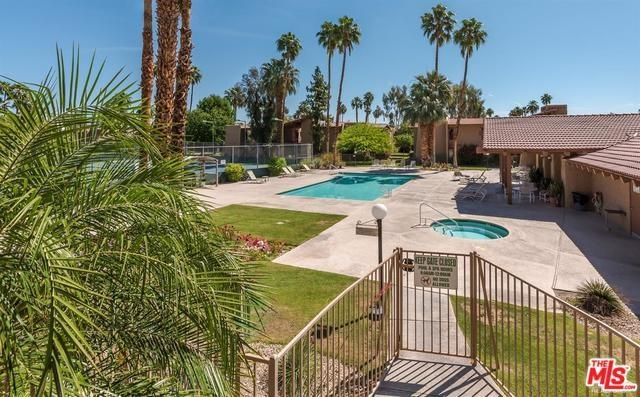 1050 E Ramon Road #60, Palm Springs, CA 92264 (#19451954) :: Fred Sed Group