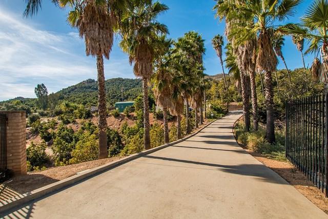 Cloverdale Rd, Escondido, CA 92027 (#190018309) :: Keller Williams Temecula / Riverside / Norco