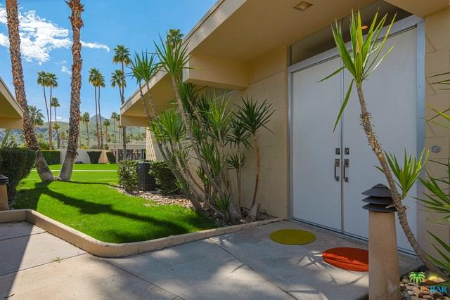 207 Desert Lakes Drive, Palm Springs, CA 92264 (#19443806PS) :: The Darryl and JJ Jones Team