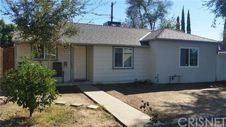 7042 Aura Avenue, Reseda, CA 91335 (#SR19079405) :: The Costantino Group | Cal American Homes and Realty