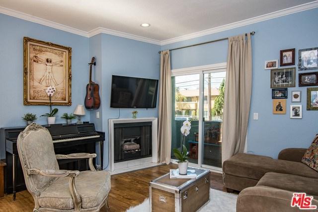 10926 Moorpark Street #2, Toluca Lake, CA 91602 (#19447016) :: The Brad Korb Real Estate Group