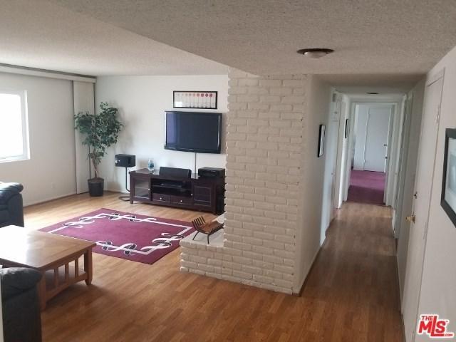 6740 Springpark Avenue #207, Los Angeles (City), CA 90056 (#19454686) :: Fred Sed Group
