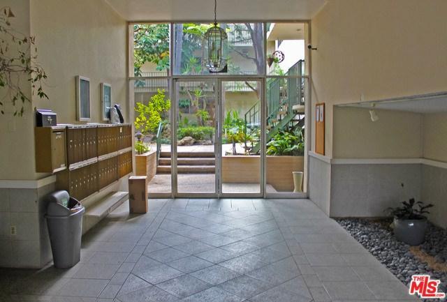 10240 Camarillo Street #315, Toluca Lake, CA 91602 (#19454878) :: The Brad Korb Real Estate Group
