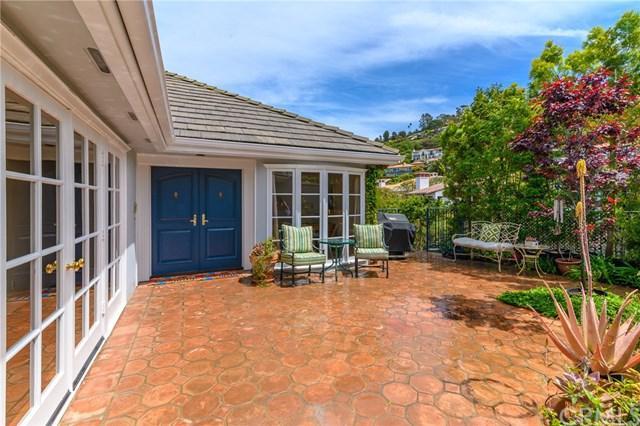 1821 Via Arriba, Palos Verdes Estates, CA 90274 (#PV19084058) :: Millman Team